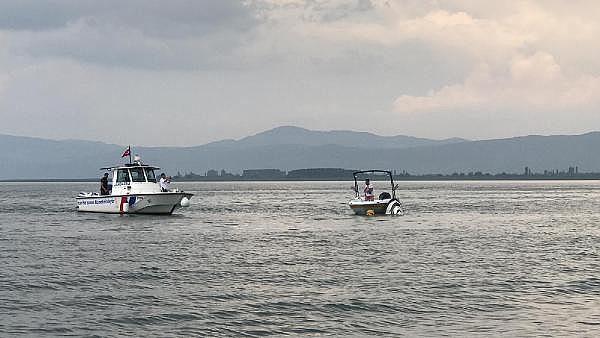 2019/06/batmak-uzere-olana-jet-skiden-atlayan-2-kisi-kurtarildi---bursa-haberleri-4d32fc955e8c-3.jpg