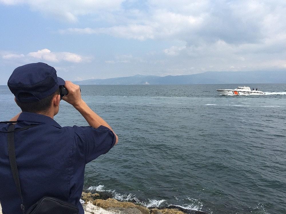 2019/06/bozulan-tekneden-denize-atlamisti-arama-calismalari-yeniden-basladi-20190615AW73-1.jpg