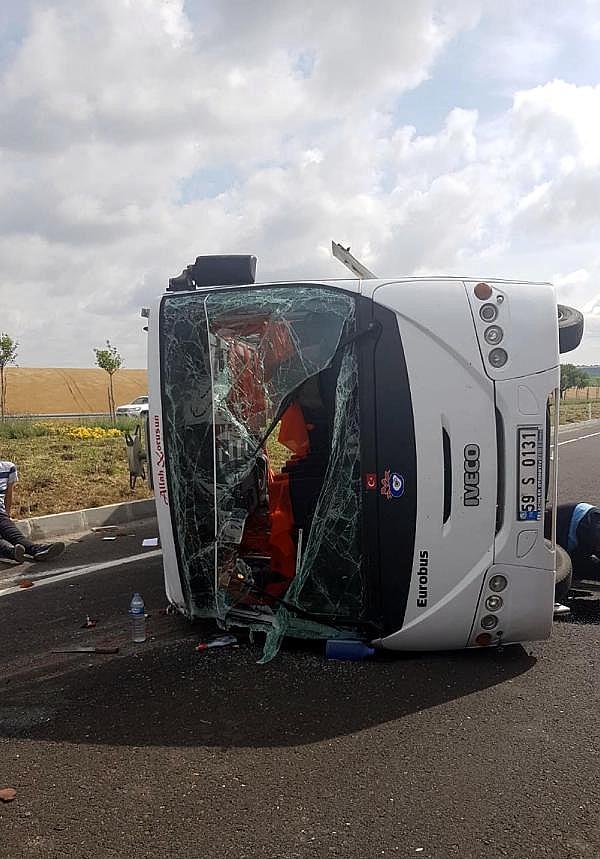 2019/06/midibus-ile-hafif-ticari-arac-carpisti-18-yarali-c10a46a16f2c-2.jpg