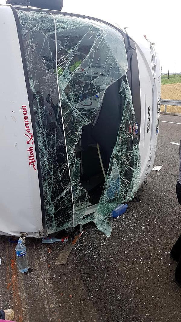 2019/06/midibus-ile-hafif-ticari-arac-carpisti-18-yarali-c10a46a16f2c-4.jpg