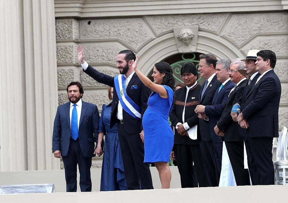 2019/06/osmanli-torunu-o-ulkede-devlet-baskani-oldu-20190601AW72-2.jpg