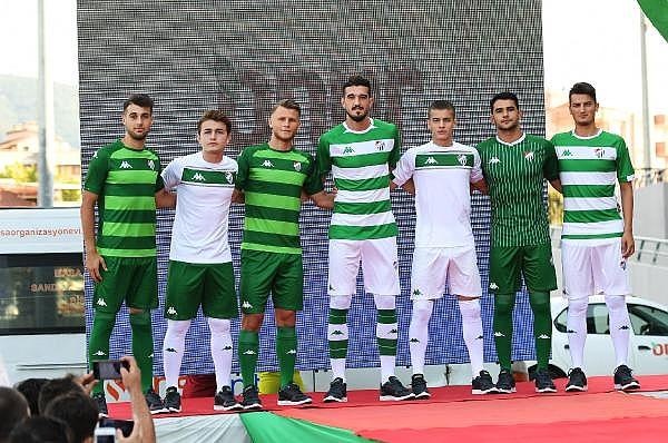 2019/07/bursaspor-yeni-sezon-formalarini-tanitti---bursa-haberleri-a82bd9d13f43-1.jpg