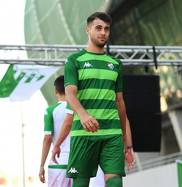 2019/07/bursaspor-yeni-sezon-formalarini-tanitti---bursa-haberleri-a82bd9d13f43-2.jpg