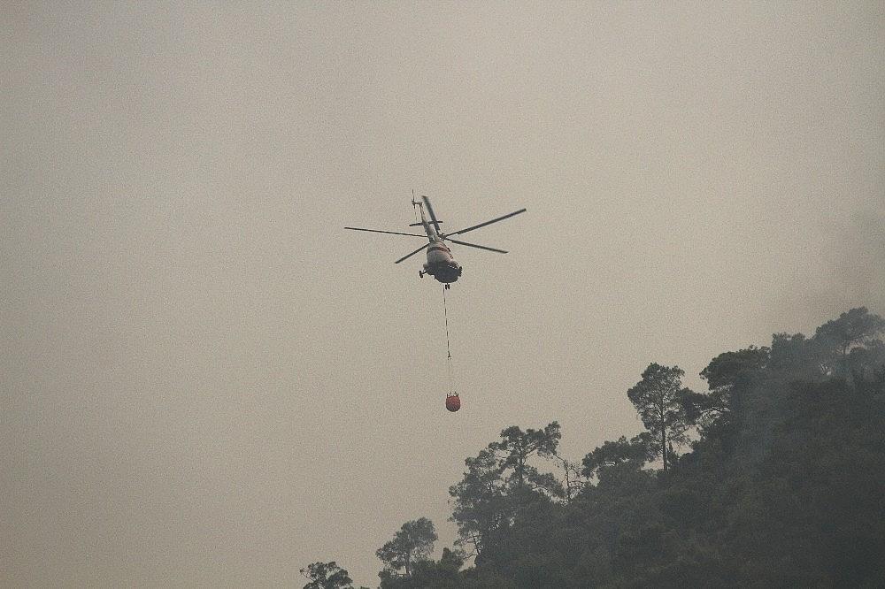 2019/07/dalamandaki-yanginda-helikopterler-havadan-mudahaleye-basladi-20190711AW75-1.jpg