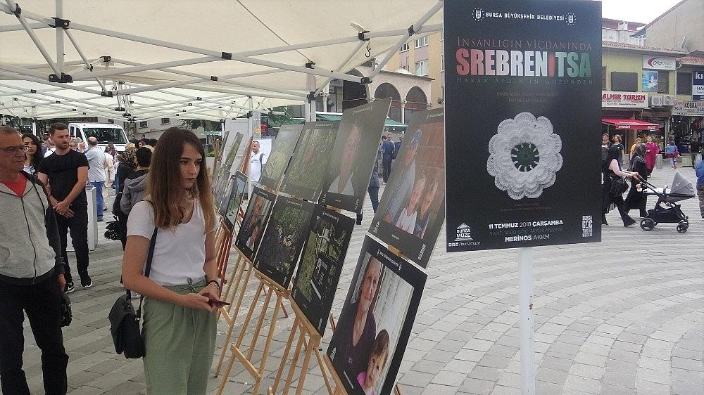 2019/07/srebrenitsa-sehitlerinin-tek-tek-isimlerinin-yazildigi-karanfiller-duygulandirdi---bursa-haberleri-20190711AW75-3.jpg