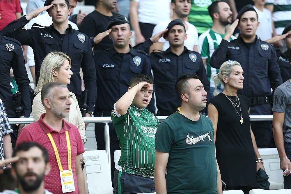 2019/10/bursaspor-ve-umraniyesporlu-oyunculardan-asker-selami---bursa-haberleri-20191019AW83-4.jpg