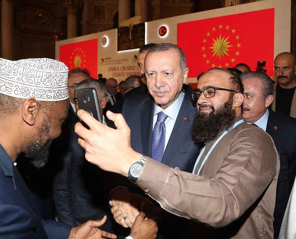 2019/10/cumhurbaskani-erdogan-bize-silah-ambargosu-uygulayanlar-ruandada-eli-kanli-katillere-silah-yardimi-yapti-20191019AW83-10.jpg