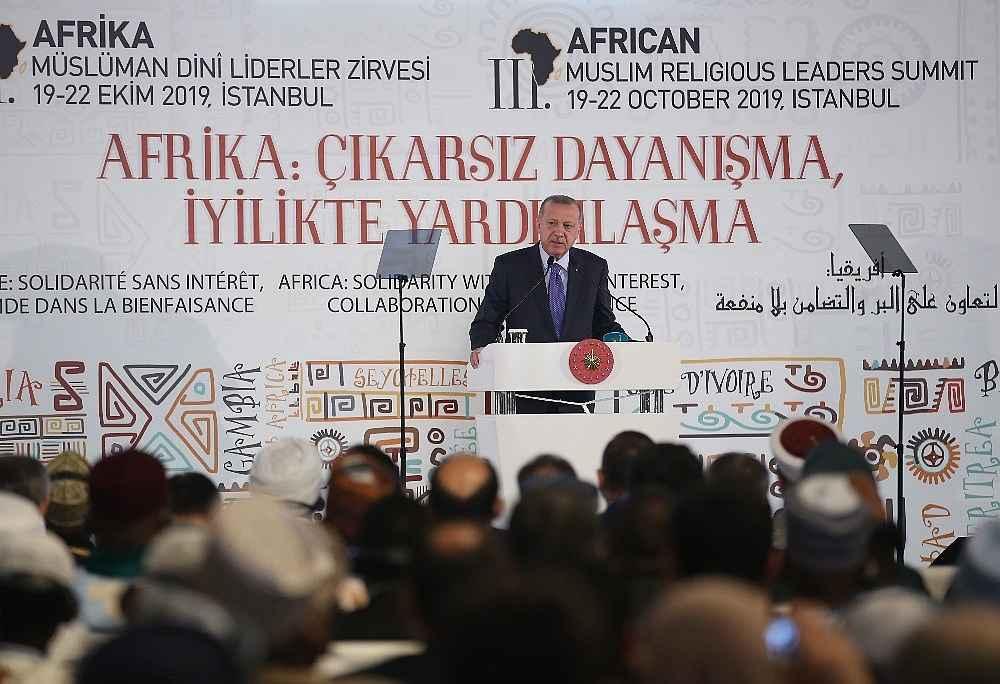 2019/10/cumhurbaskani-erdogan-bize-silah-ambargosu-uygulayanlar-ruandada-eli-kanli-katillere-silah-yardimi-yapti-20191019AW83-11.jpg