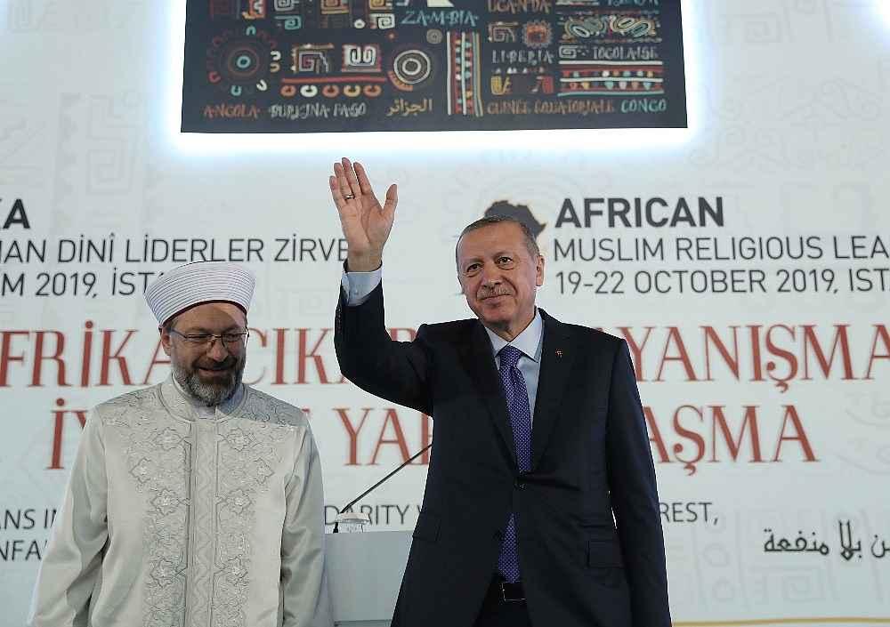 2019/10/cumhurbaskani-erdogan-bize-silah-ambargosu-uygulayanlar-ruandada-eli-kanli-katillere-silah-yardimi-yapti-20191019AW83-9.jpg