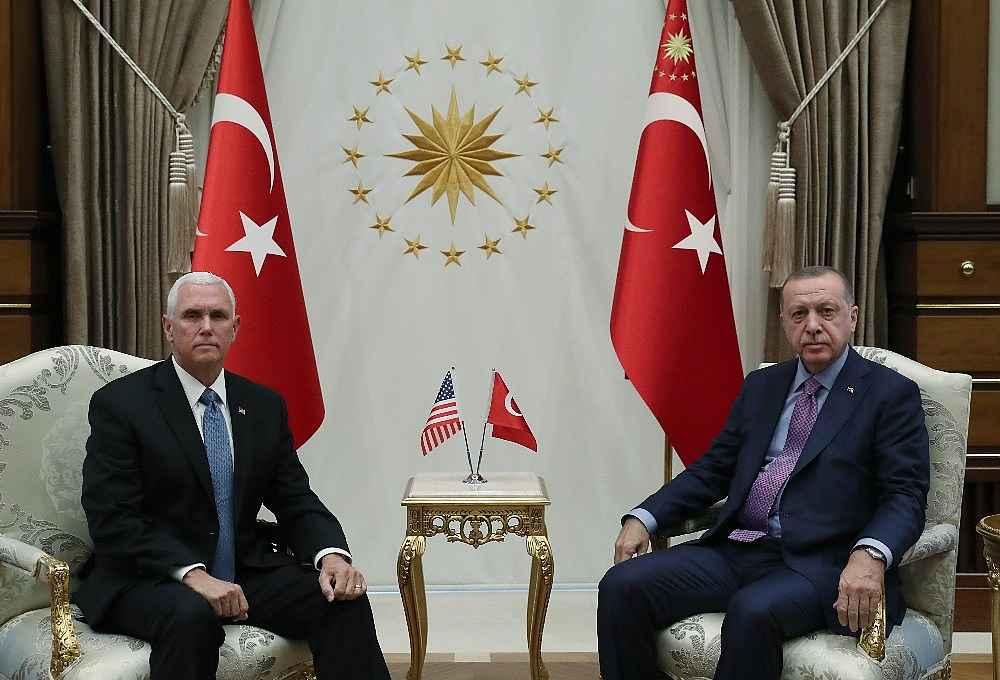 2019/10/cumhurbaskani-erdogan-pencei-kabul-ediyor-20191017AW83-1.jpg