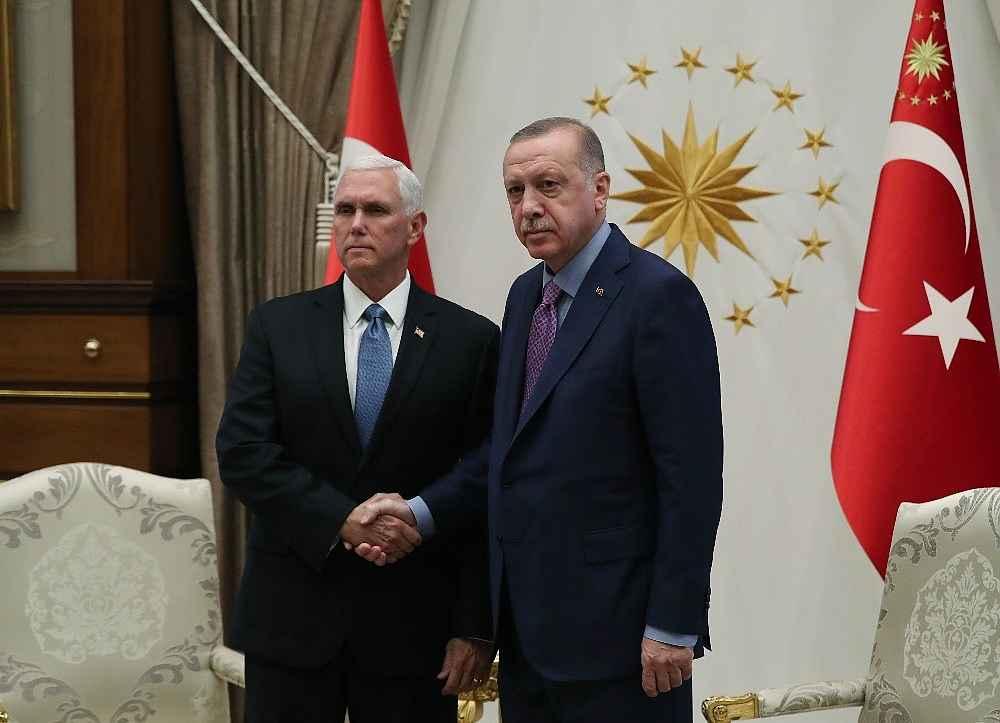 2019/10/cumhurbaskani-erdogan-pencei-kabul-ediyor-20191017AW83-2.jpg