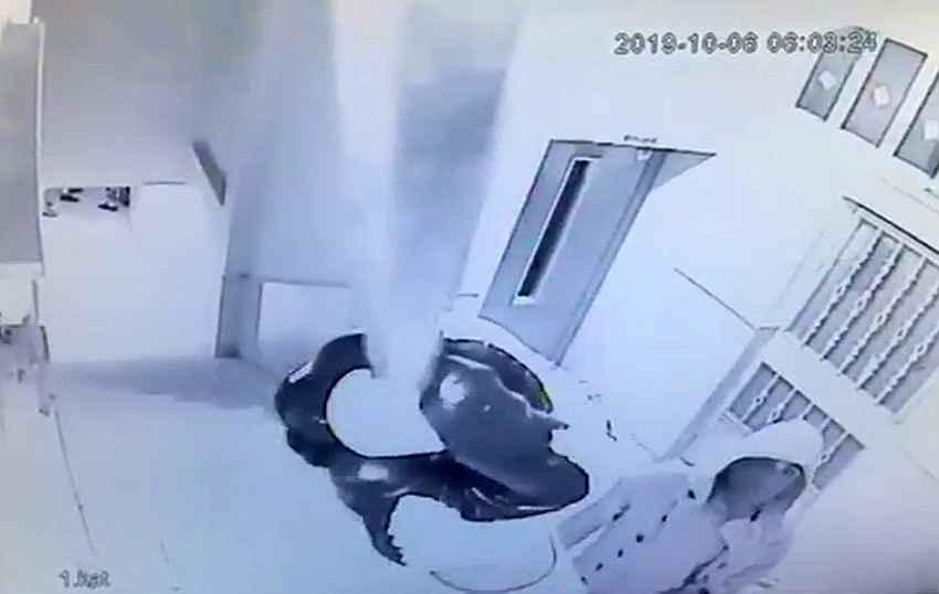 2019/10/ogrenci-servisiyle-is-yeri-soymaya-calistilar-20191020AW83-2.jpg