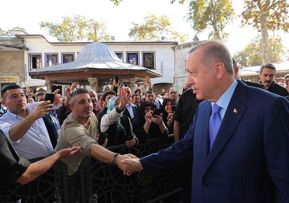 2019/11/cumhurbaskani-erdogan-cuma-namazini-eyupsultan-camiinde-kildi-20191108AW85-2.jpg