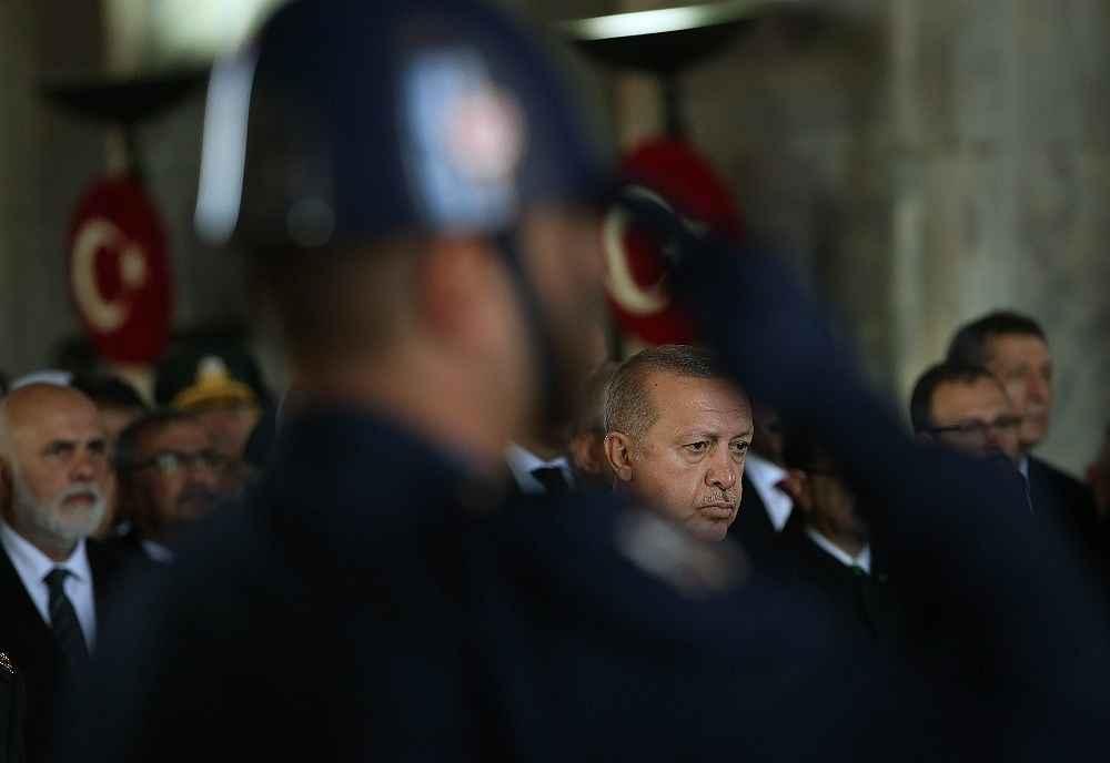 2019/11/devlet-erkani-cumhurbaskani-erdoganin-baskanliginda-anitkabirde-20191110AW85-2.jpg