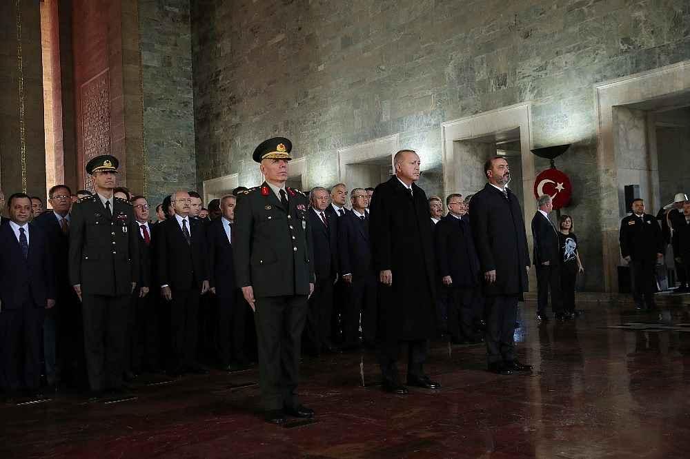 2019/11/devlet-erkani-cumhurbaskani-erdoganin-baskanliginda-anitkabirde-20191110AW85-5.jpg