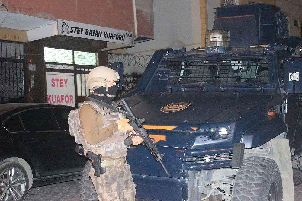 2019/11/istanbulda-gece-vakti-teror-orgutu-pkkkck-operasyonu-cok-sayida-gozalti-var-20191108AW84-4.jpg