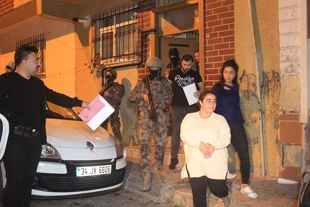2019/11/istanbulda-gece-vakti-teror-orgutu-pkkkck-operasyonu-cok-sayida-gozalti-var-20191108AW84-6.jpg