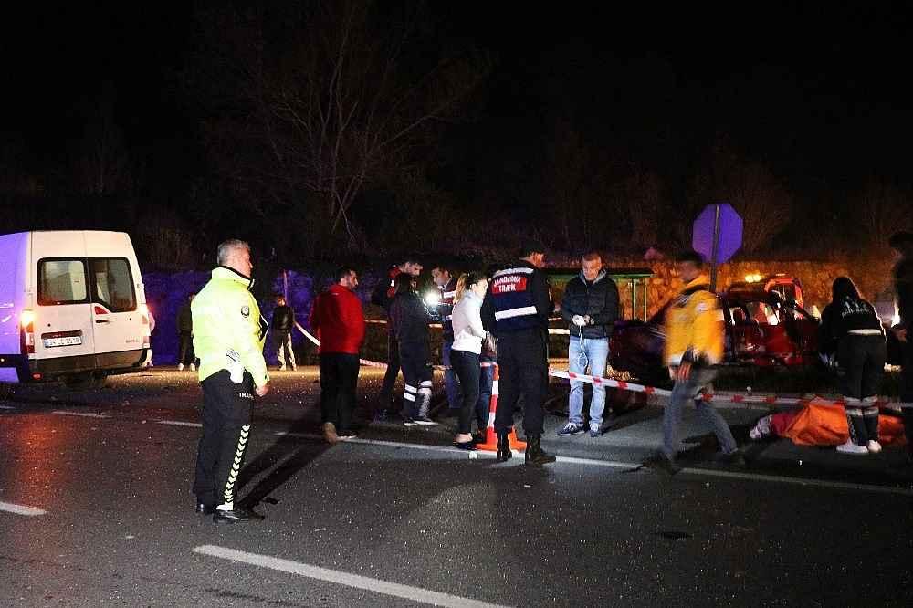2019/11/kahreden-kaza-sakaryadaki-trafik-kazasinda-7-ve-11-yasindaki-kiz-kardesler-hayatini-kaybetti-20191122AW86-2.jpg