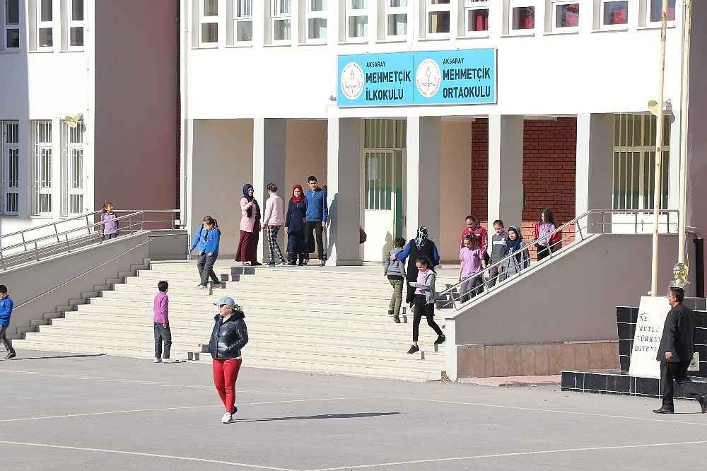 2019/11/otizmli-cocuklarin-yuhalandigi-okulun-muduru-aciga-alindi-20191108AW84-1.jpg