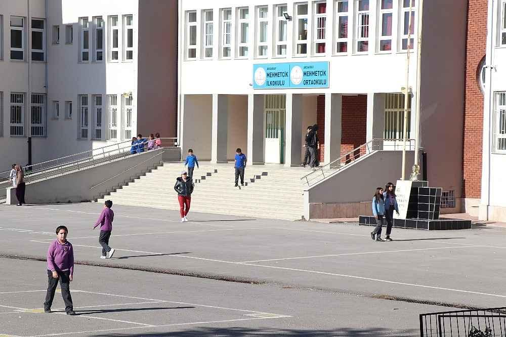 2019/11/otizmli-cocuklarin-yuhalandigi-okulun-muduru-aciga-alindi-20191108AW84-3.jpg