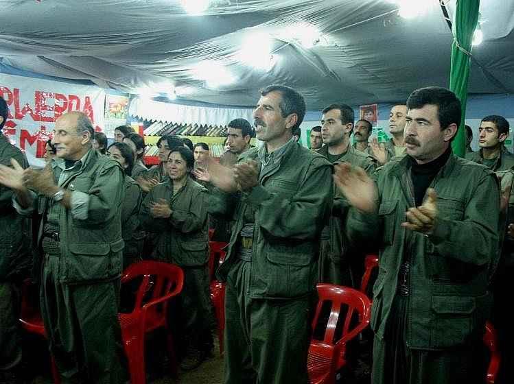 2019/11/pyd-elebasi-mazlum-kobani-kod-adli-terorist-ferhad-abdi-sahin-pkk-kampinda-20191108AW84-3.jpg