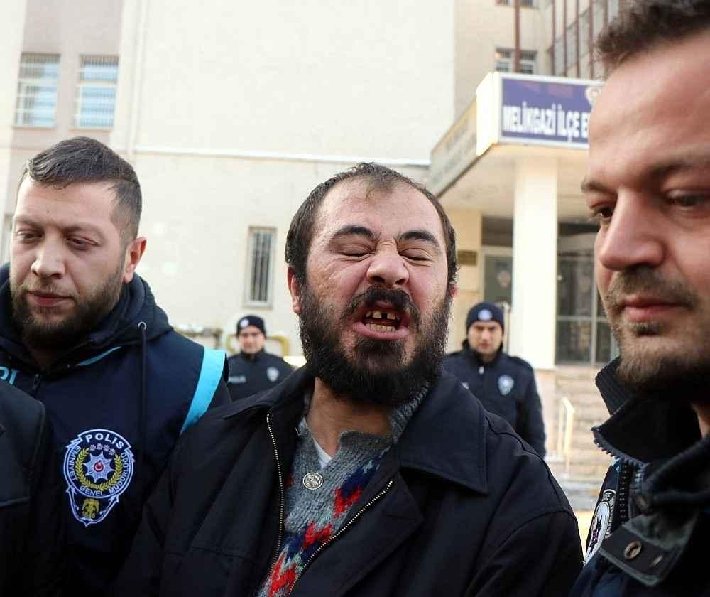 2019/12/3-kisiyi-olduren-katil-zanlisi-ben-1-suc-isledim-20191209AW87-1.jpg