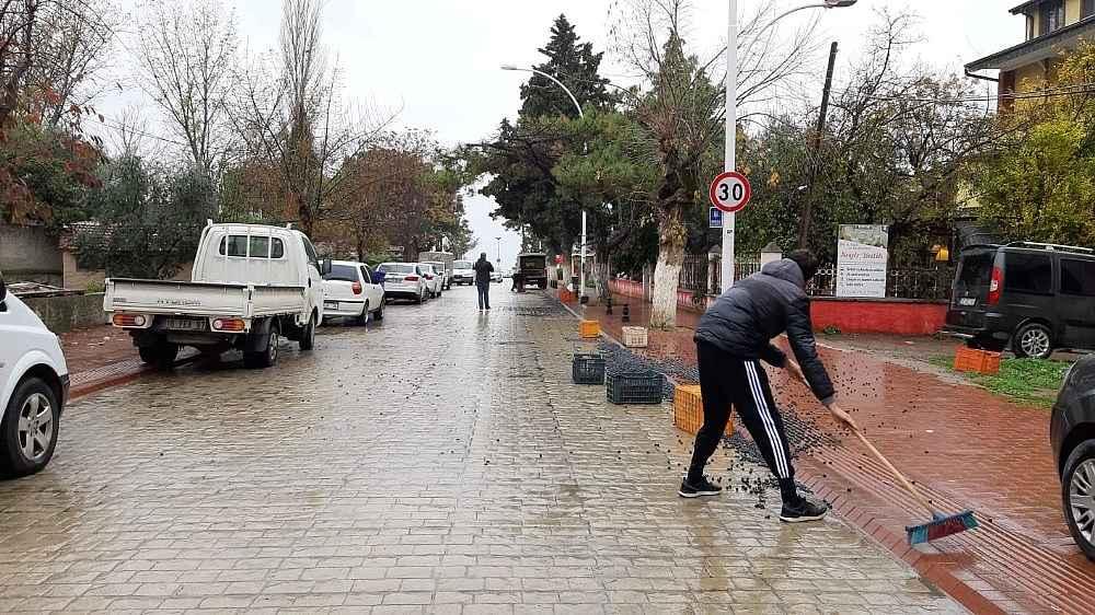 2019/12/450-kilo-zeytin-yola-sacildi---bursa-haberleri-20191204AW87-1.jpg