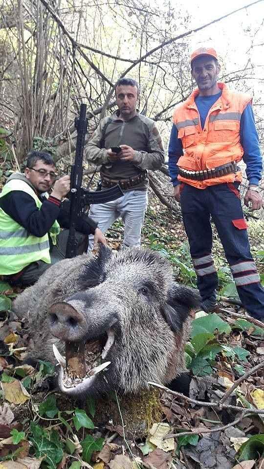 2019/12/inegolde-avcilar-300-kiloluk-yaban-domuzu-vurdu---bursa-haberleri-20191202AW87-2.jpg