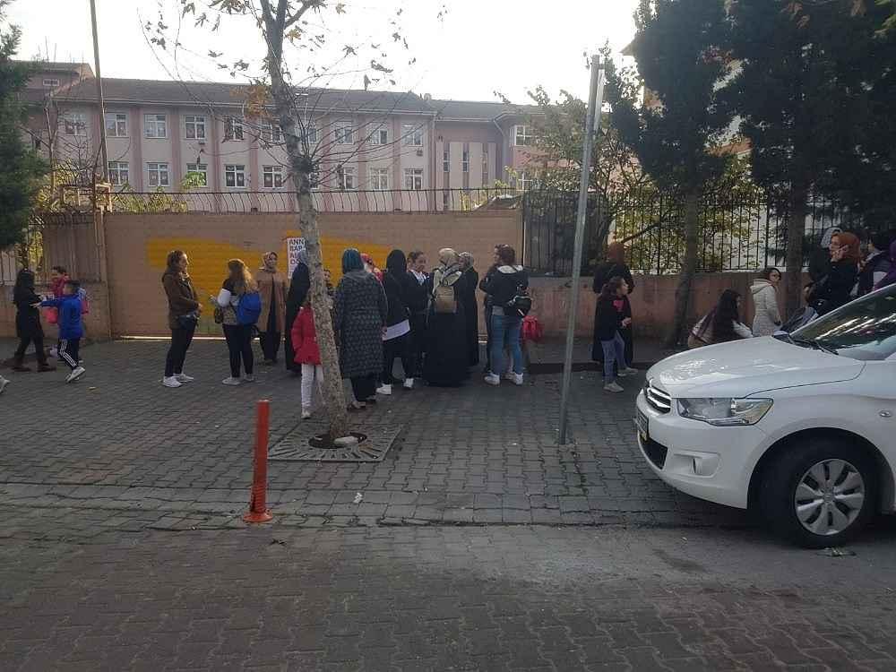 2019/12/istanbulda-ogretmenden-ogrenciye-darp-iddiasi-20191220AW88-2.jpg