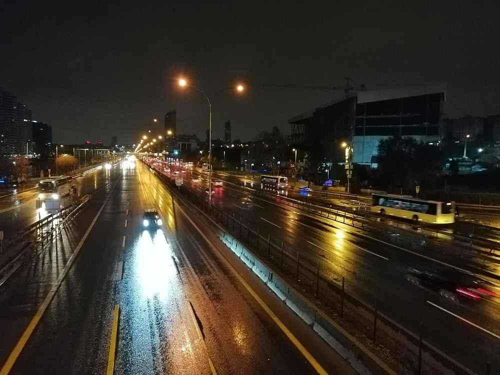 2019/12/istanbulda-yagmur-etkili-oluyor-20191204AW87-1.jpg