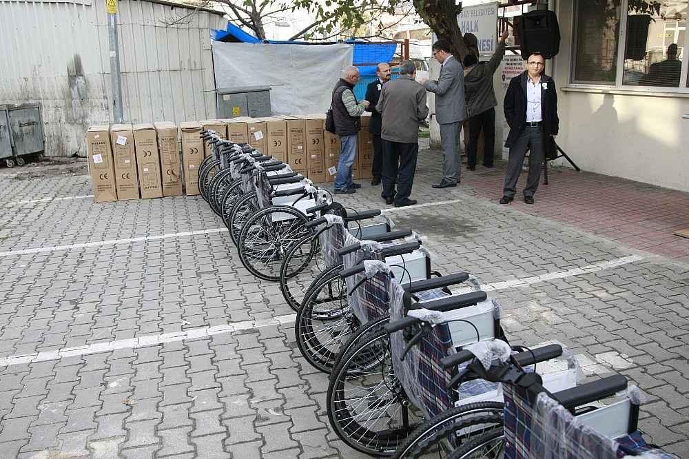 2019/12/protokol-koltugu-tekerlekli-sandalye-oldu---bursa-haberleri-20191203AW87-1.jpg
