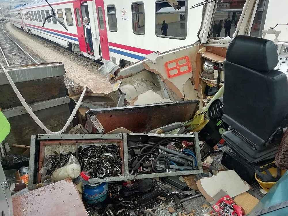 2019/12/tren-rayinda-kaza-1-olu-3-yarali-20191209AW87-1.jpg