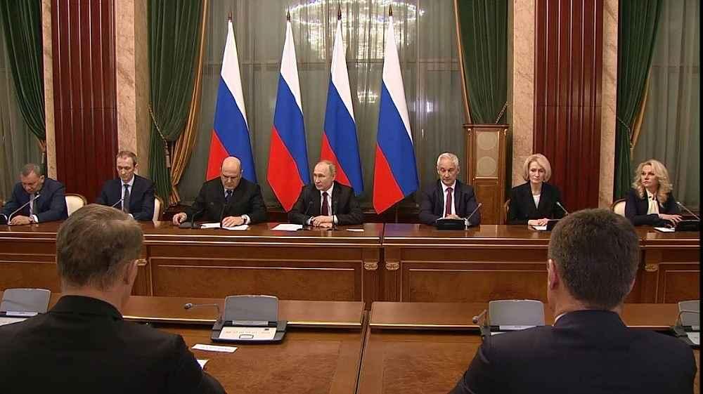 2020/01/rusyanin-yeni-basbakani-putine-yeni-kabineyi-tanitti-20200121AW91-4.jpg