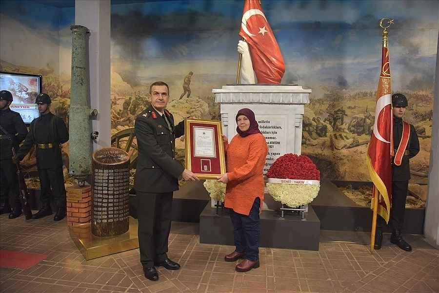 2020/01/turkiye-sehitlerini-aniyor-20200126AW91-4.jpg