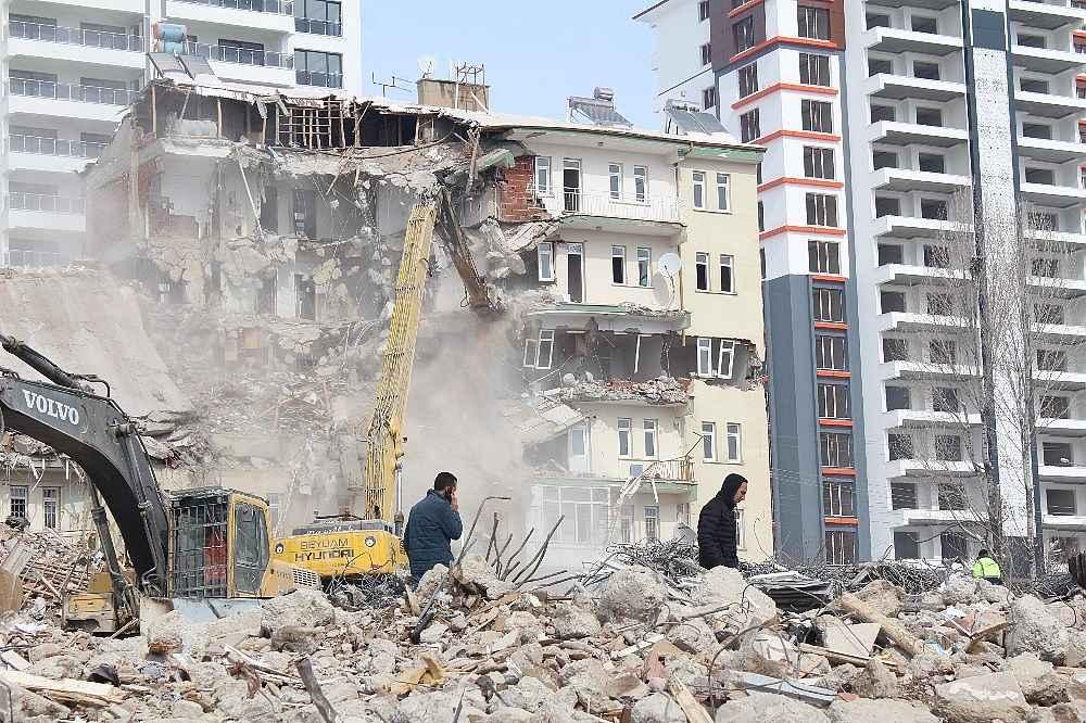 2020/02/elazigda-depremin-yaralari-sariliyor-20200216AW93-6.jpg