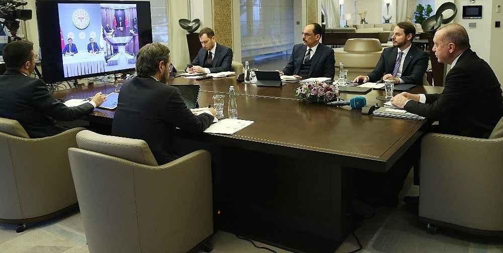 2020/03/cumhurbaskani-erdogan-bilim-kurulu-uyeleriyle-telekonferansla-gorustu-20200325AW97-2.jpg