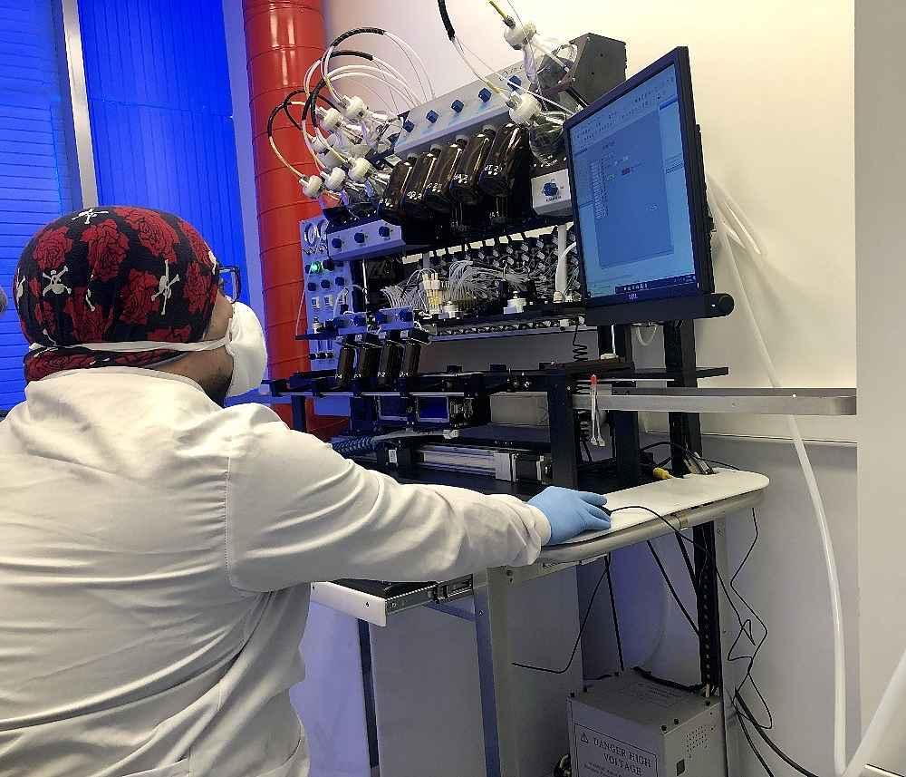 2020/03/turk-bilim-insanlarinin-urettigi-kit-10-20-dakikada-sonuc-veriyor-20200324AW97-2.jpg