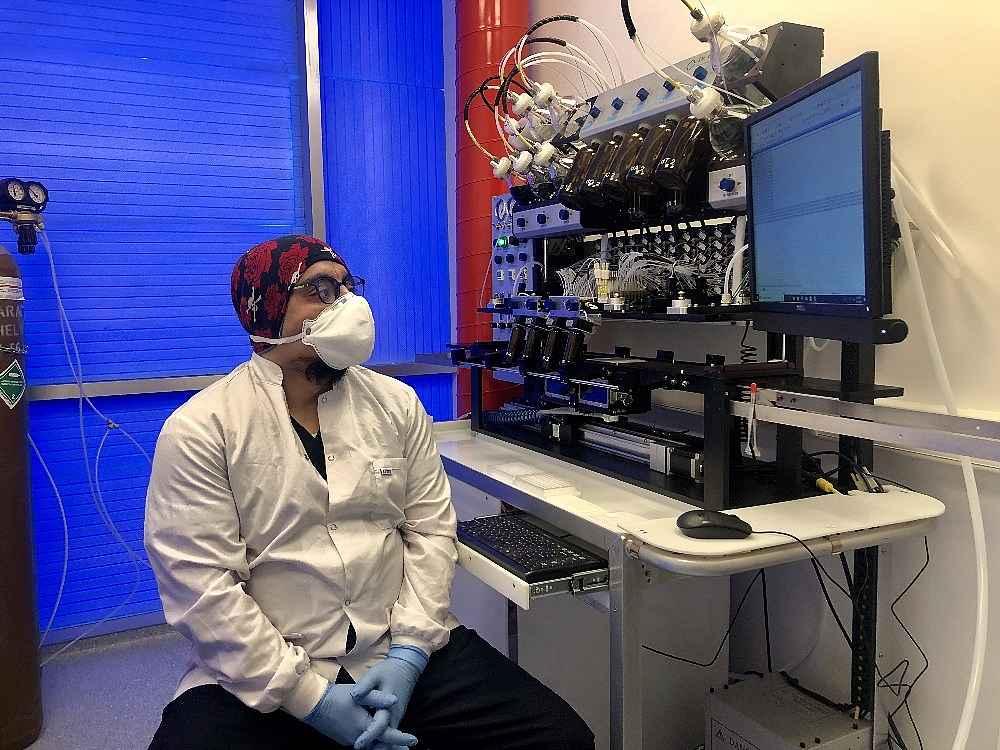 2020/03/turk-bilim-insanlarinin-urettigi-kit-10-20-dakikada-sonuc-veriyor-20200324AW97-5.jpg