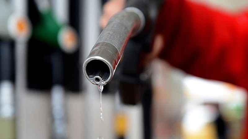 2020/04/benzin-ve-motorine-indirim-20200409AW98-1.jpg
