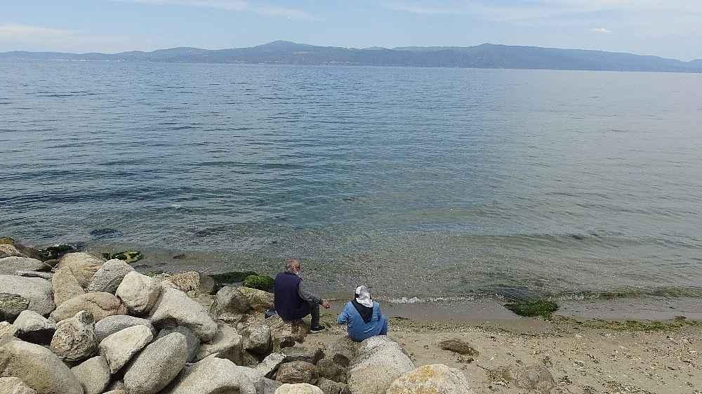 2020/05/bursada-sahiller-yaslilarla-doldu-tasti---bursa-haberleri-20200531AW02-5.jpg