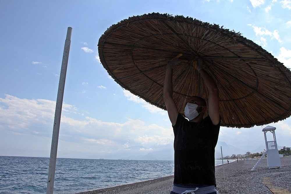 2020/05/hazirliklarin-tamamlandigi-dunyaca-unlu-sahilde-yuzde-70-doluluk-bekleniyor-20200531AW02-10.jpg