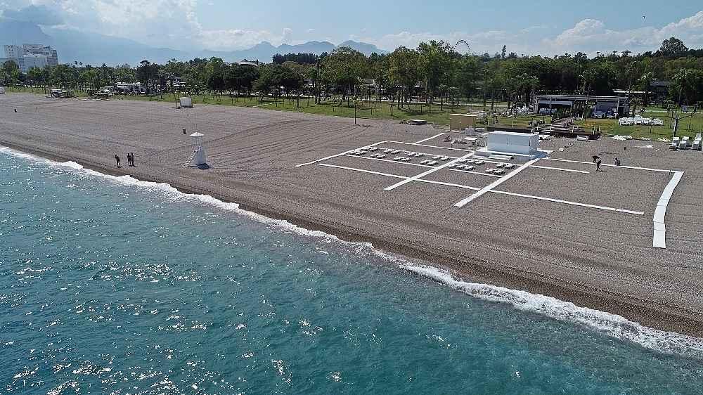2020/05/hazirliklarin-tamamlandigi-dunyaca-unlu-sahilde-yuzde-70-doluluk-bekleniyor-20200531AW02-4.jpg