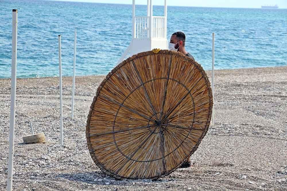 2020/05/hazirliklarin-tamamlandigi-dunyaca-unlu-sahilde-yuzde-70-doluluk-bekleniyor-20200531AW02-9.jpg