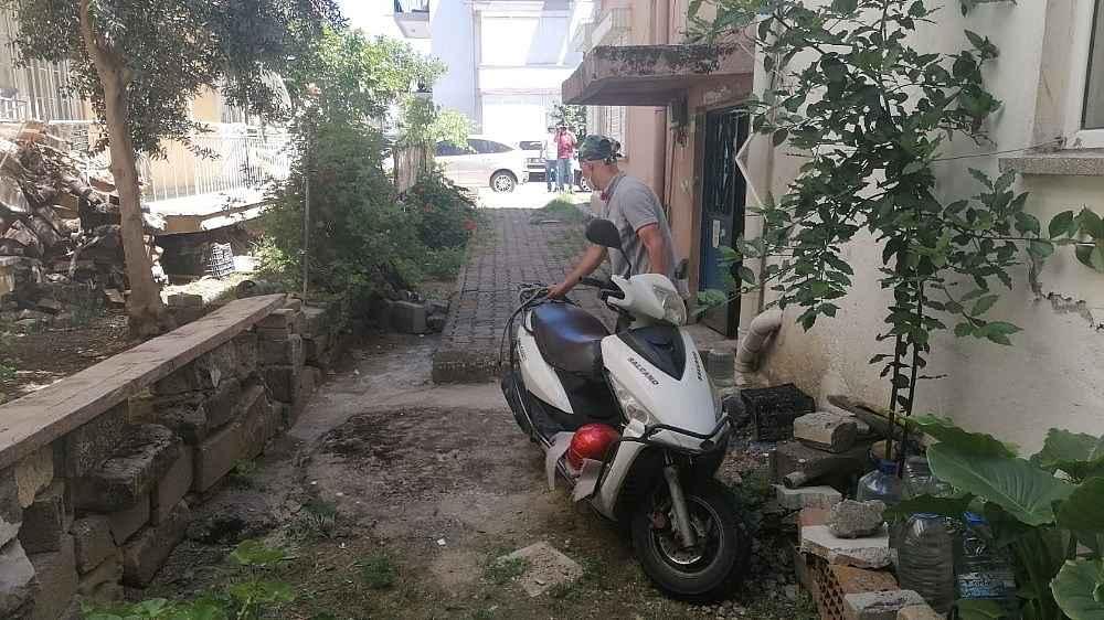 2020/05/motosiklet-calmaktan-serbest-kaldi-sokaga-cikmaktan-3-bin-150-lira-ceza-yedi-20200528AW02-3.jpg