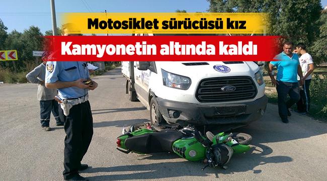 Motosikletli kız kamyonetin altında kaldı | Bursa haberleri