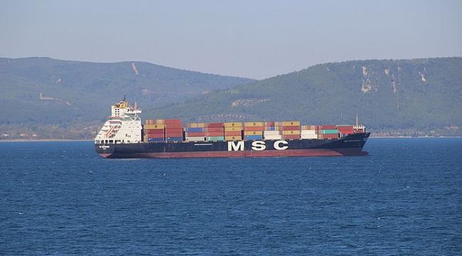Bursa'dan yola çıkan gemi boğazda mahsur kaldı