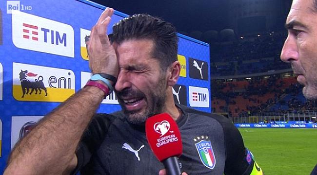 Efsane kaleci ağlayarak milli takımı bıraktı