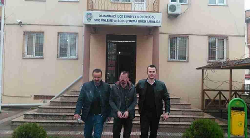 100 bin liralık içki çalarken yakalandı - Bursa Haberleri