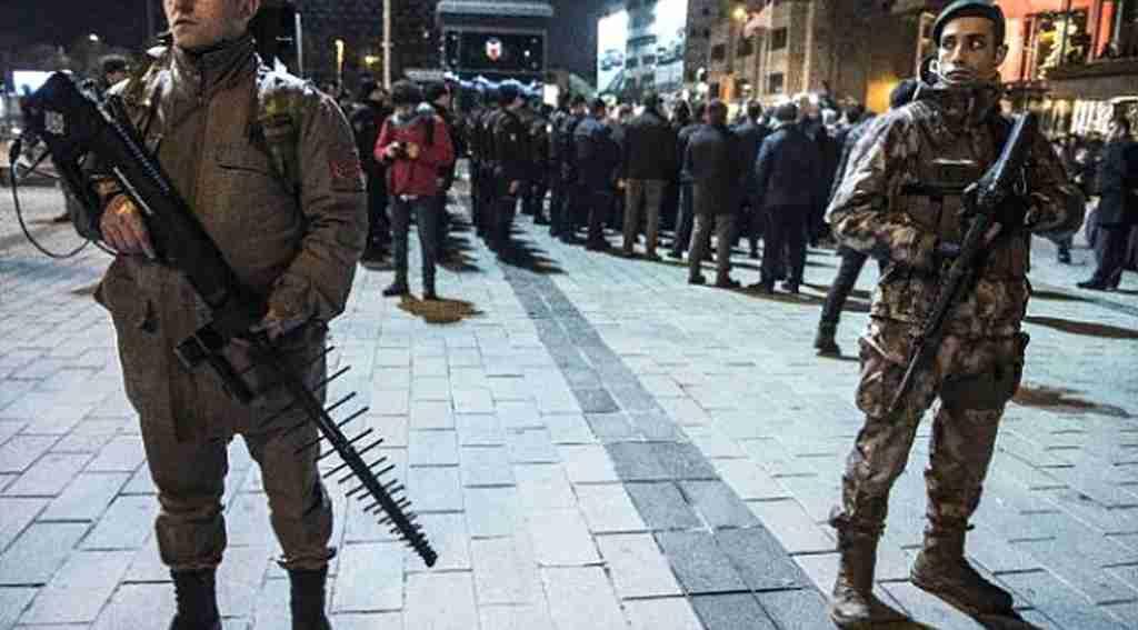 ASELSAN'ın üretti, jandarma yılbaşı gecesi Taksim'de kullandı