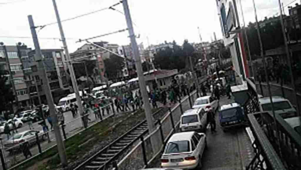 Akhisar ile Bursaspor taraftarı kavgası kameralara yansıdı - Bursa Haberleri